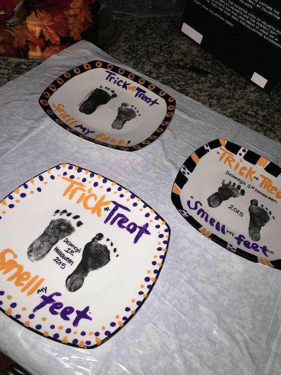 Halloween Footprint Plates