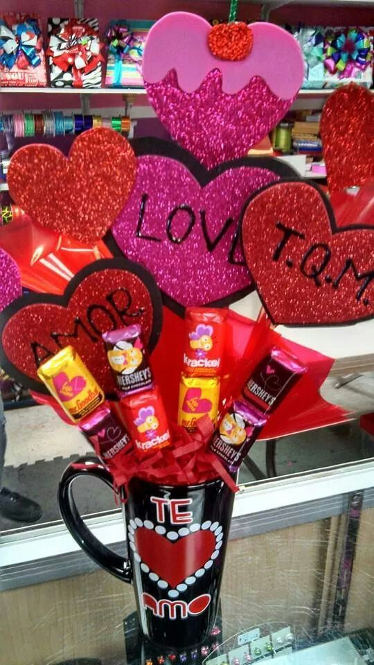 Valentines candy bouquet in a mug